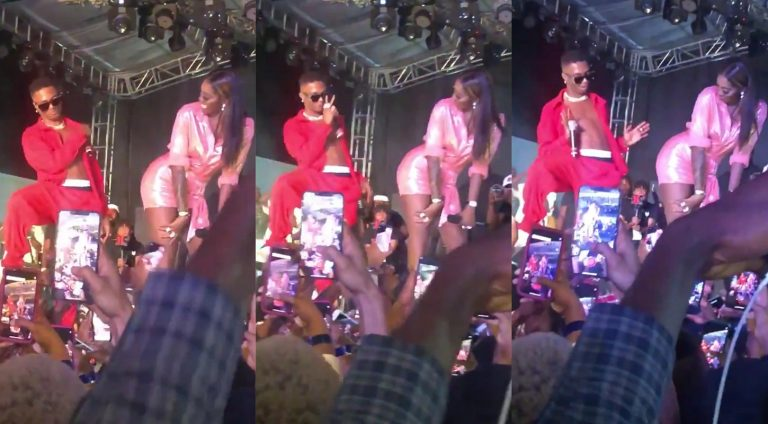 Wizkid rejects Tiwa's nyash this time as they perform on stage together
