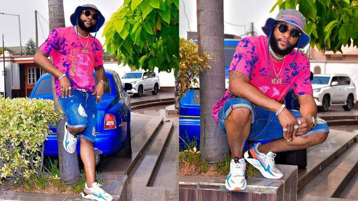 Singer, KCee lands himself in trouble for flaunting his brother, E-money's house and cars