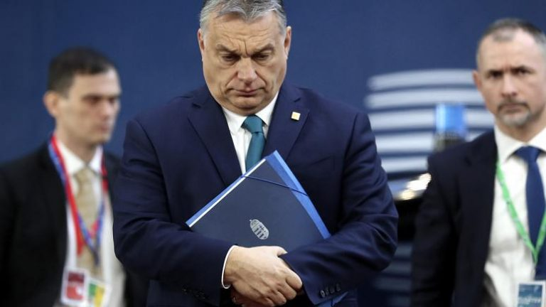 Orban uses coronavirus as excuse to suspend asylum rights in Hungary
