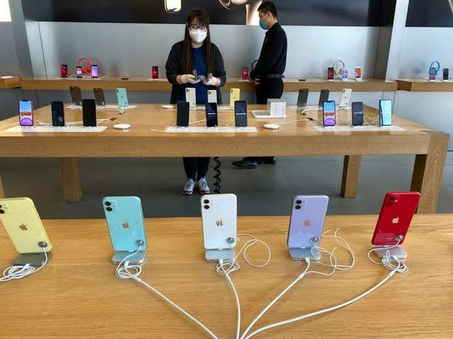 Coronavirus: Apple Closes All Stores Outside China