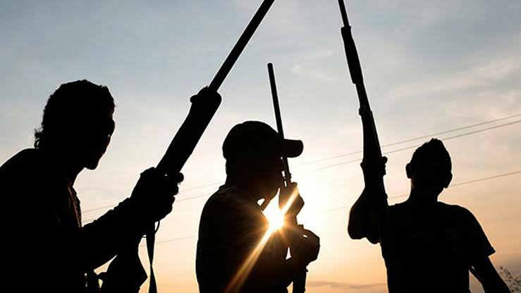 Delta man kidnapped by gunmen after eating wife's jollof rice