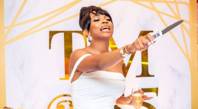 """""""Stop filming or showing recipients of your giveaway"""" – Toke Makinwa advises Nigerian celebs"""